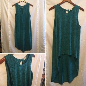 Teal high-low tank top with back keyhole - teal